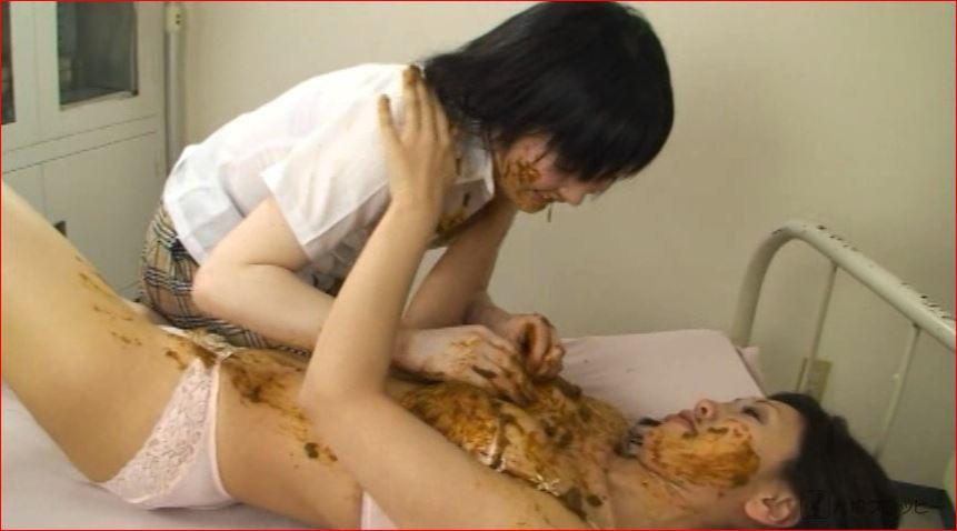 女の子同士でキャッキャウフフとうんちを塗り合うレズスカトロカップル