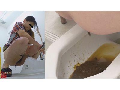 ゆるゆる女子のうんち、形を留めてないユルさの下痢便ウンコです